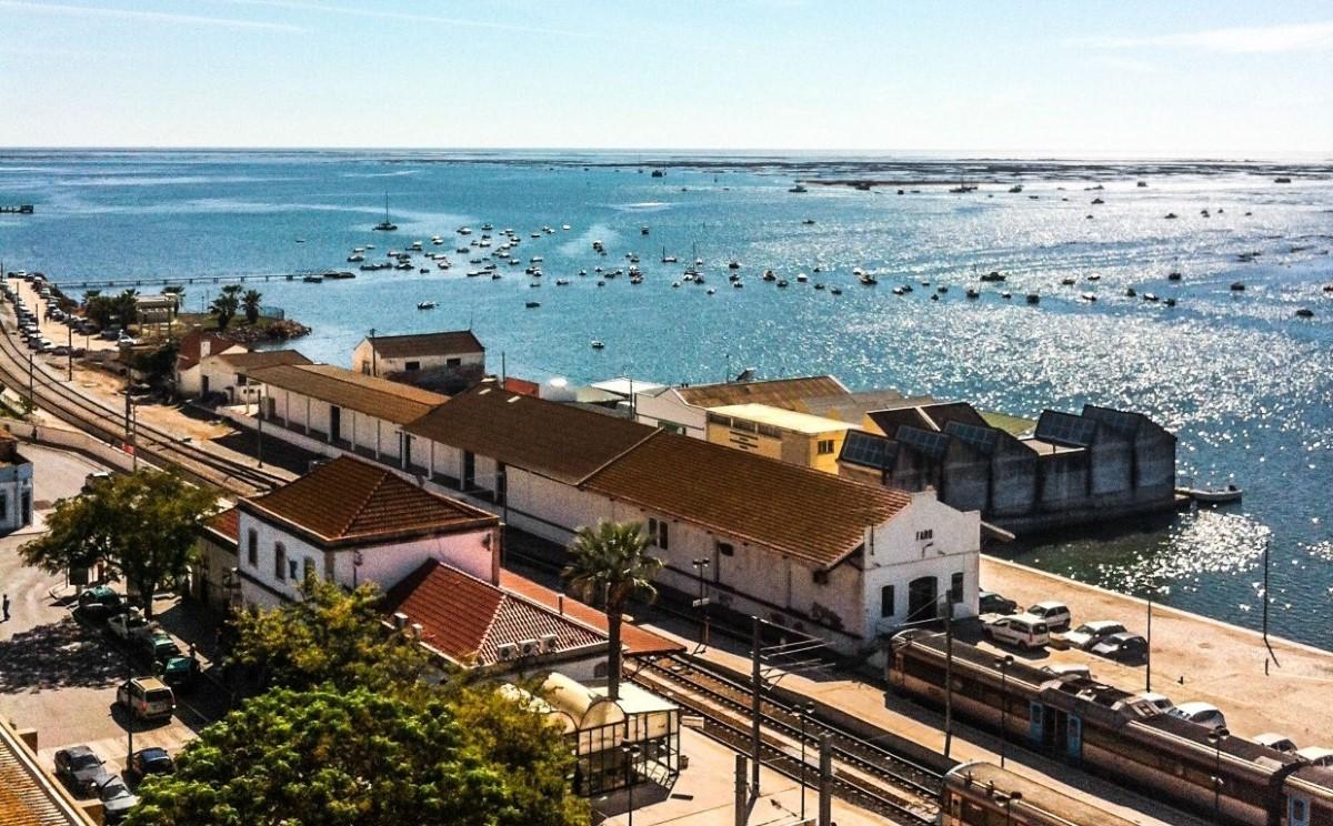Faro Train Algarve